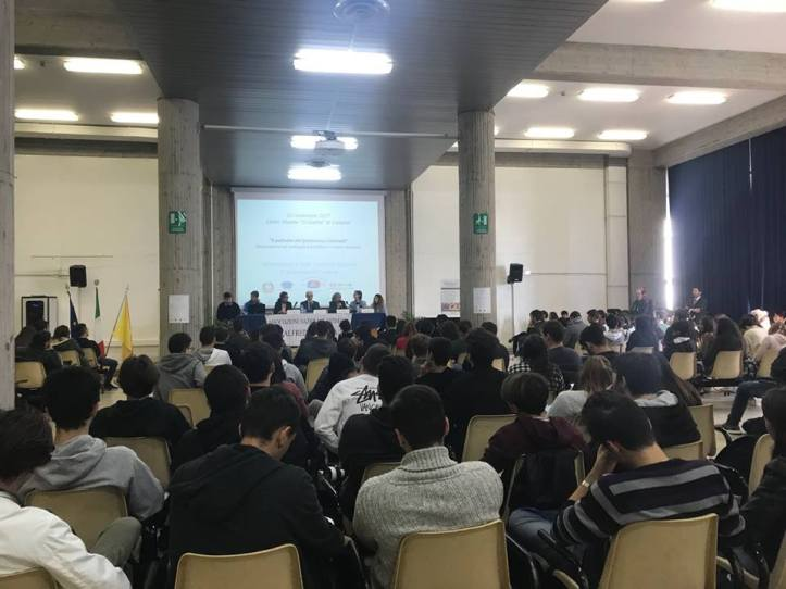 un incontro al liceo scientifico Galileo Galilei di Catania