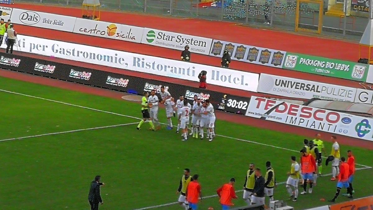 Auteri punisce ancora il Catania: il Catanzaro passa al Massimino per 2-0